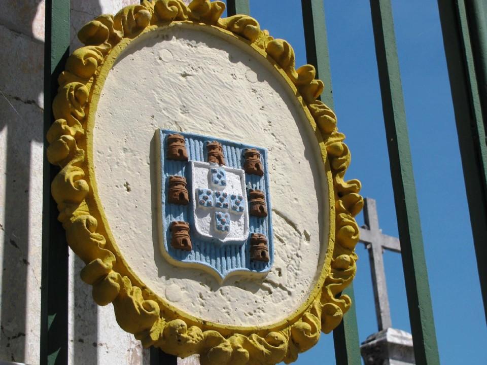 coroa cemitério.jpg