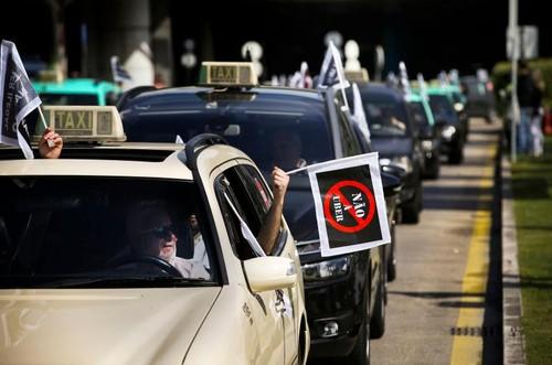 79. Hubermus Táxi ou Taximus Uber.jpg