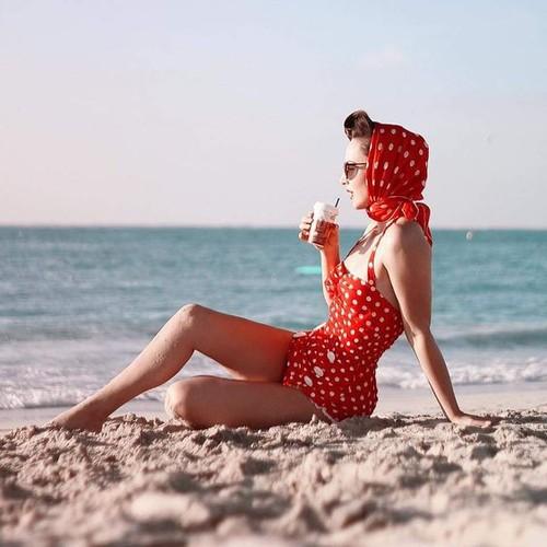 summer beach retro.jpg