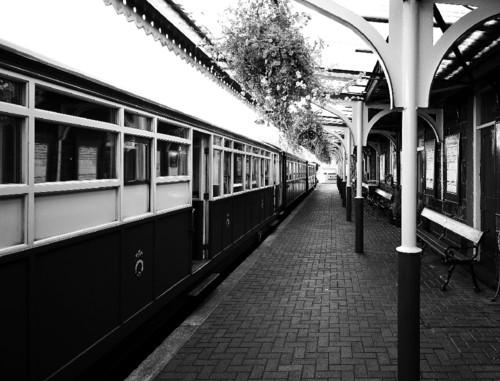 steam-railway-1938519_1920.jpg