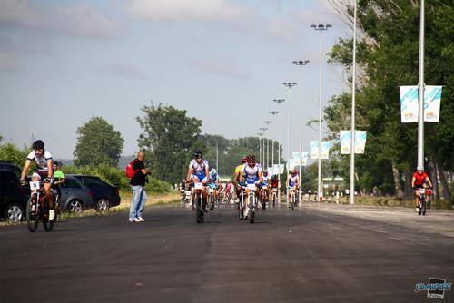 BTT Coimbra XCM 2012 Montemor 019 Atletas na recta