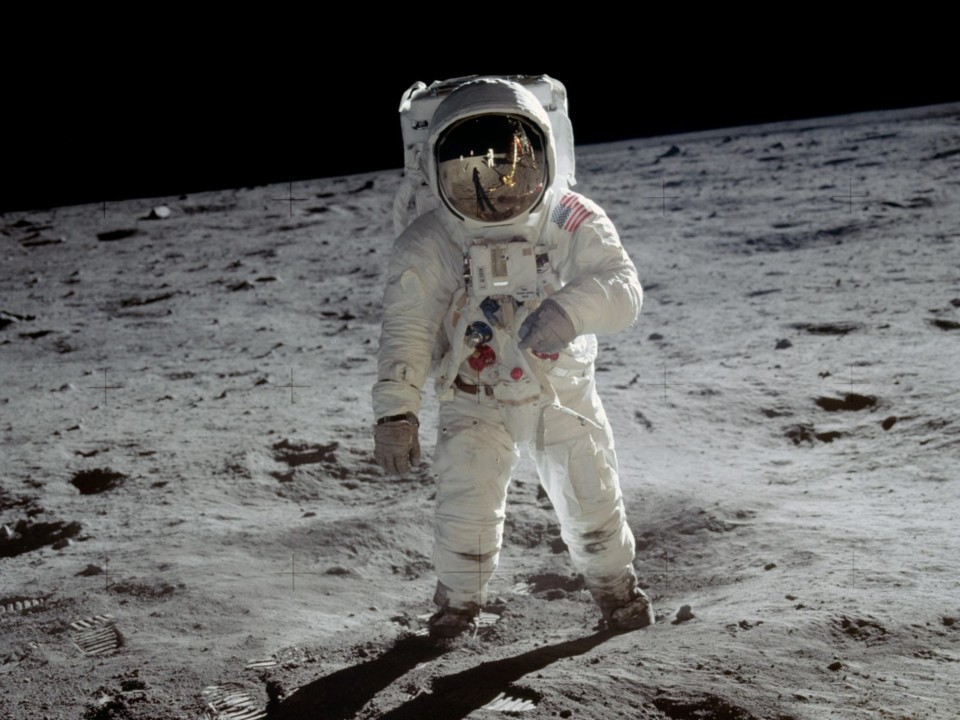 Buzz Aldrin on the moon.jpg