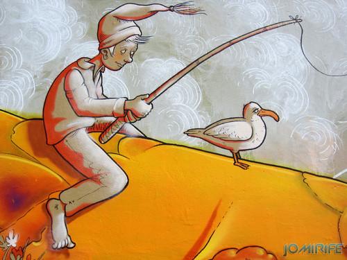 Arte Urbana by Mário Belém - Peixe laranja/Imaginário no CAE na Figueira da Foz Portugal - Elemento pescando (19) [en] Urban art by Mário Belém - Orange Fish/Imaginary in Art Center Figueira da Foz, Portugal