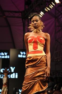 Vestido por Vicky Muzadi 1