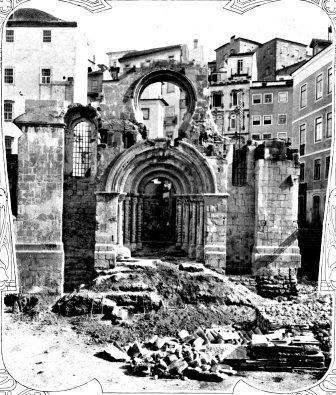 Igreja de Santiago obras.jpg