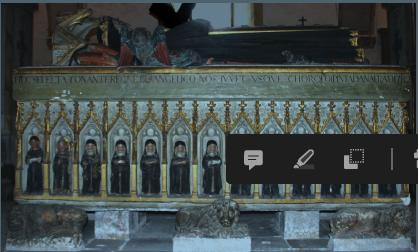 Túmulo da Rainha Santa, frontal direito.png