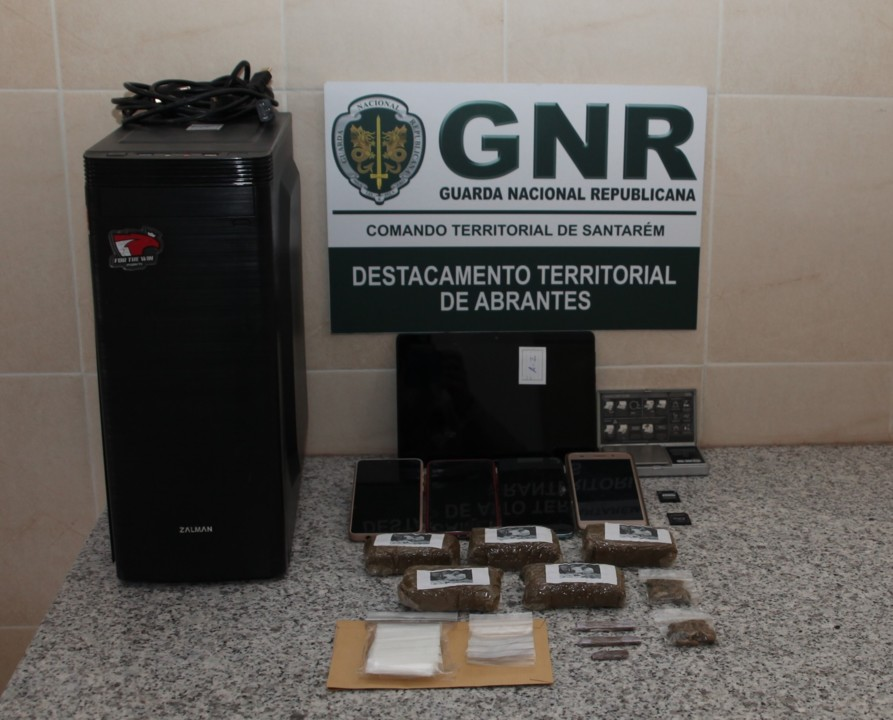 GNR Santarém - Apreensão 2.jpg