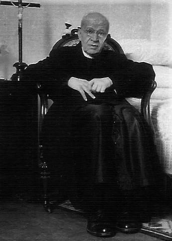Padre Luis.jpg