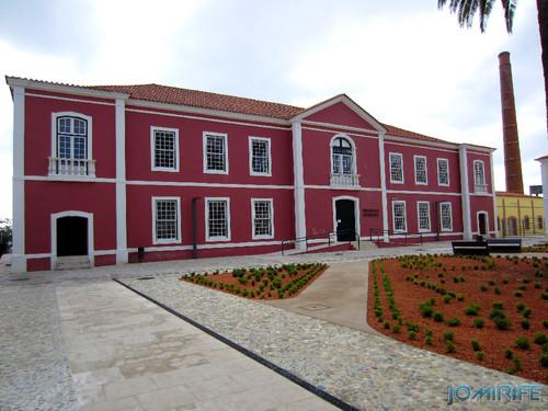 Marinha Grande - Biblioteca Municipal [en] Marinha Grande in Portugal - Municipal Library