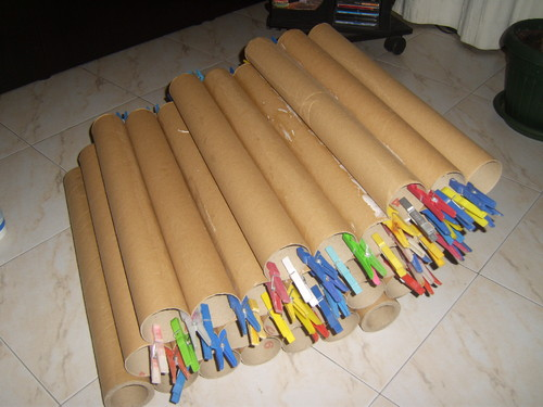 Sof reciclado de rolos de cartao clarinanda for Sofa reciclado