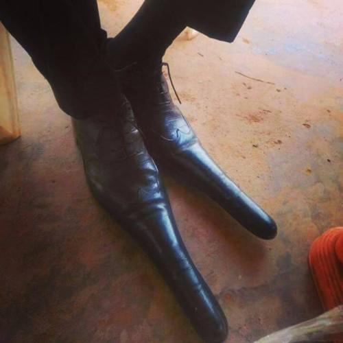 sapatos longos.jpg
