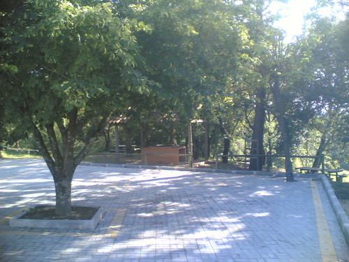 Parque de Merendas de Gatões: Estacionamento
