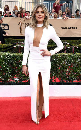 rs_634x1024-170129142555-634-2017SAG-awards-Charis