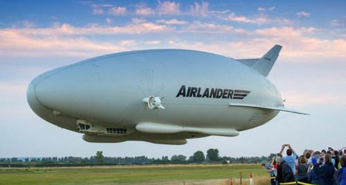 Airlander-10-first-flight.jpg