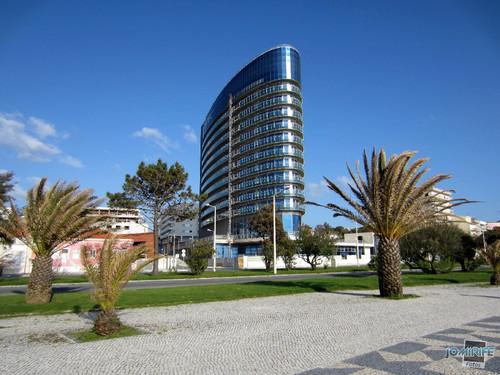 Hotel Galante: Jardins envolventes