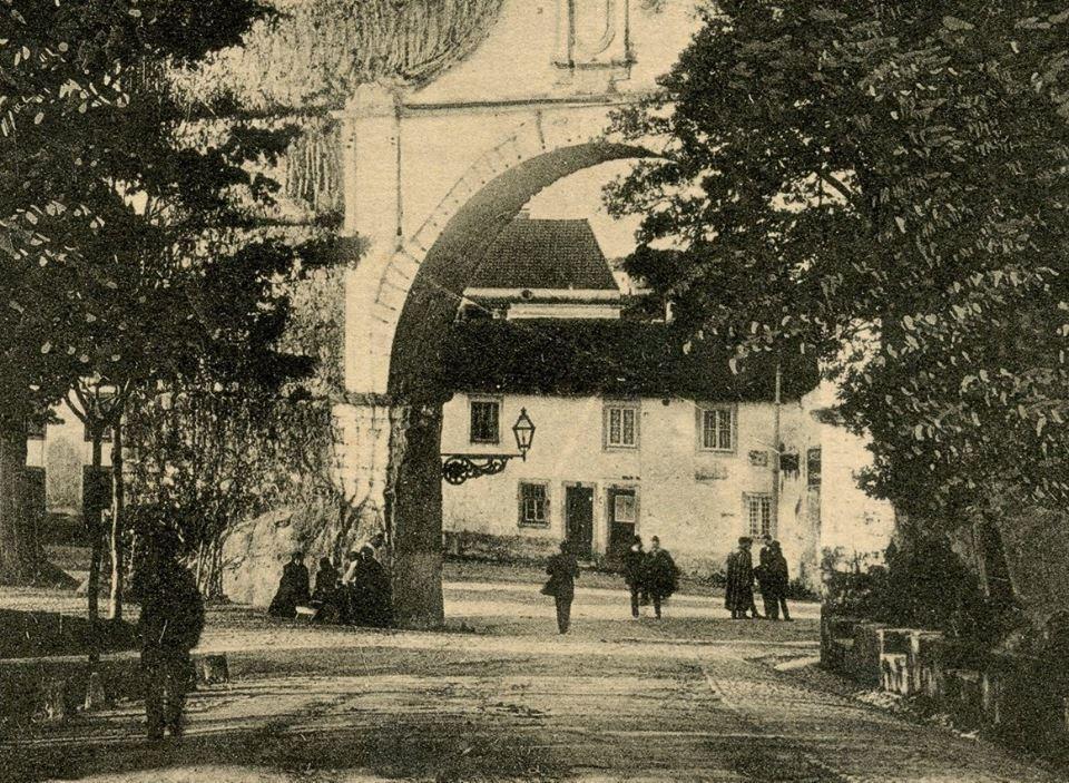 Aqueduto de S. Sebastião. Arco principal 03.jpg