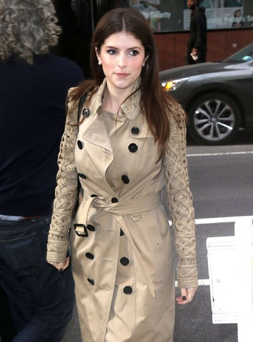 Anna-Kendrick -Leaving-The-Today-Show--08.jpg