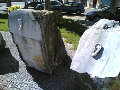 Cantanhede: Orelhas nas pedras