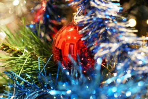 Um pequeno pormenor do pinheiro de Natal cá de casa.