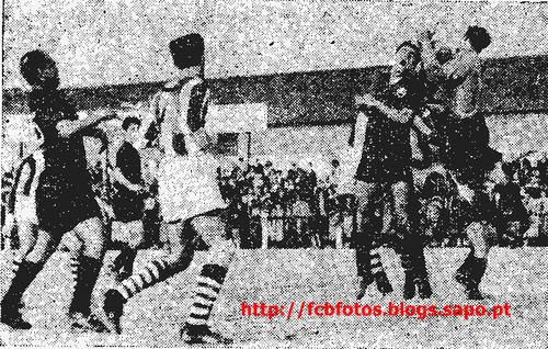 1956-57-fcb-academica-jose augusto observa.png