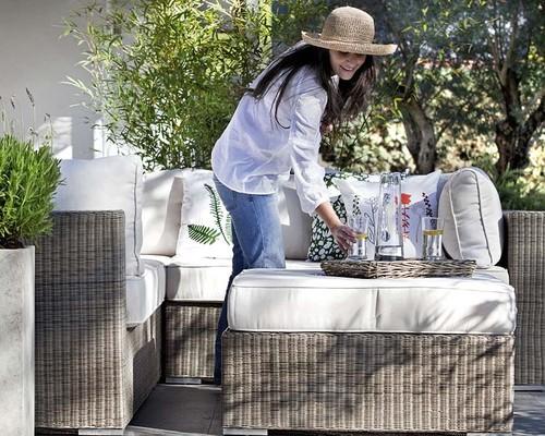mesa jardim carrefour:Para pequenos jardins ou terraços. Uma solução: dois sofás mini