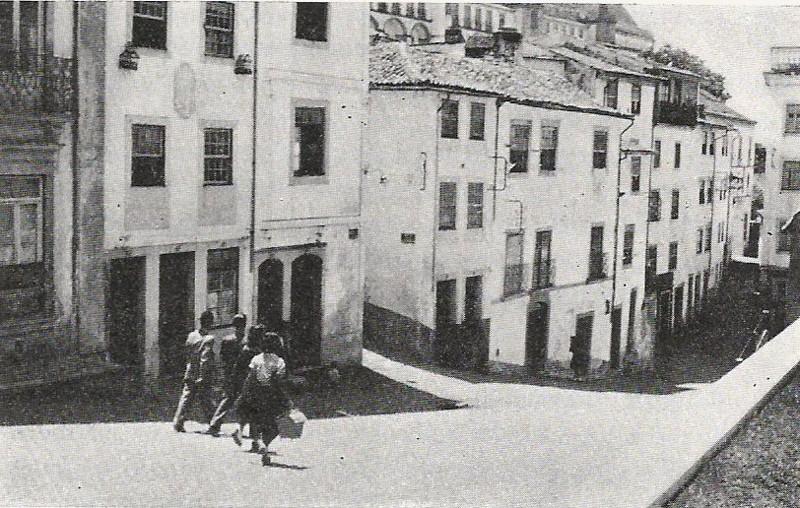Rua das Covas, vista do lado da Sé Nova.jpg