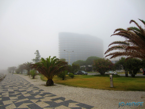 Figueira da Foz ao inicio do dia com nevoeiro - Hotel Galante a desaparecer (1) [en] Figueira da Foz in the morning with fog - Galante Hotel disappearing