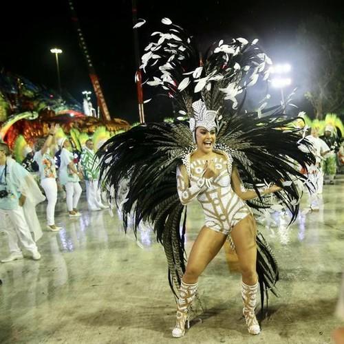 Paloma Bernardi (Carnaval Rio 2017).jpg