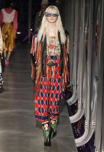 Gucci-desfile-FW17-25.jpg