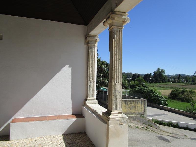 Capela do Loreto alpendre.jpg
