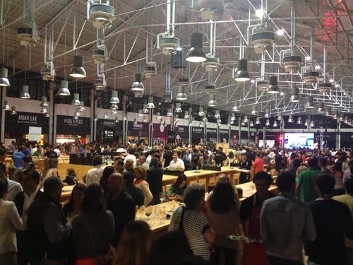 A partir deste domingo é este o cenário que poderá encontrar no renovado  Mercado da Ribeira 73caa175dff86