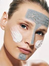 As máscaras se despem de pele de cara normal