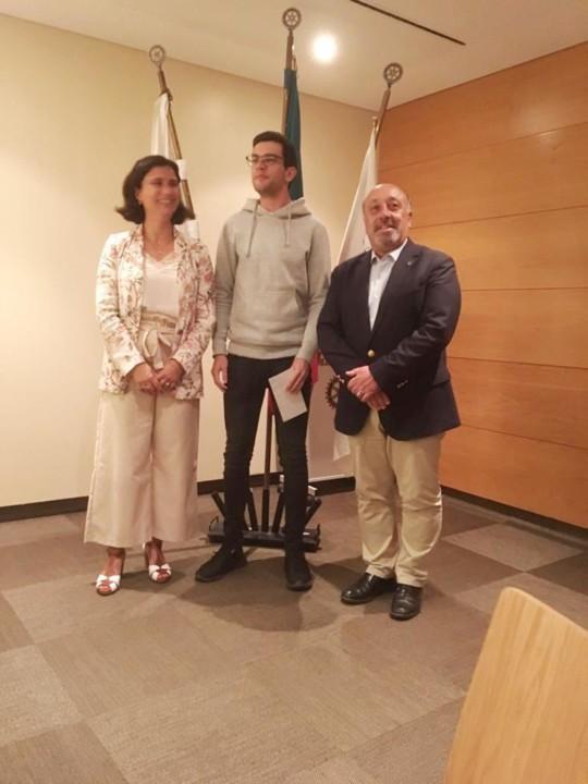 Entrega Bolsas Rotary 2 (2).jpg