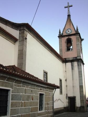 Exterior (torre sineira)