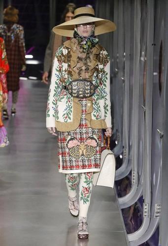 Gucci-desfile-FW17-31.jpg