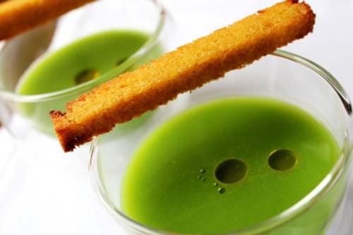 O caldo verde e a broa de milho tostada com azeite