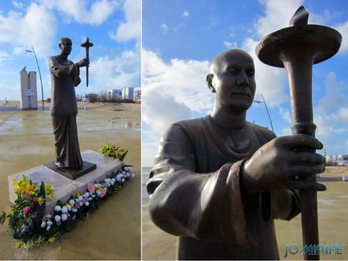 Estátua do fundador da Peace Run (Corrida da Paz, Corrida mundial da harmonia) na Figueira da Foz [en] Statue of the founder of the Peace Run in Figueira da Foz, Coimbra, Portugal