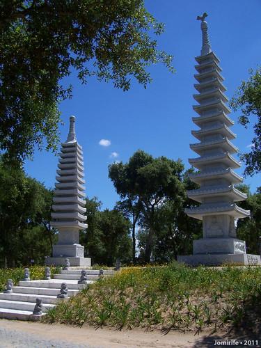 Jardim Buddha Eden - Torres chinesas
