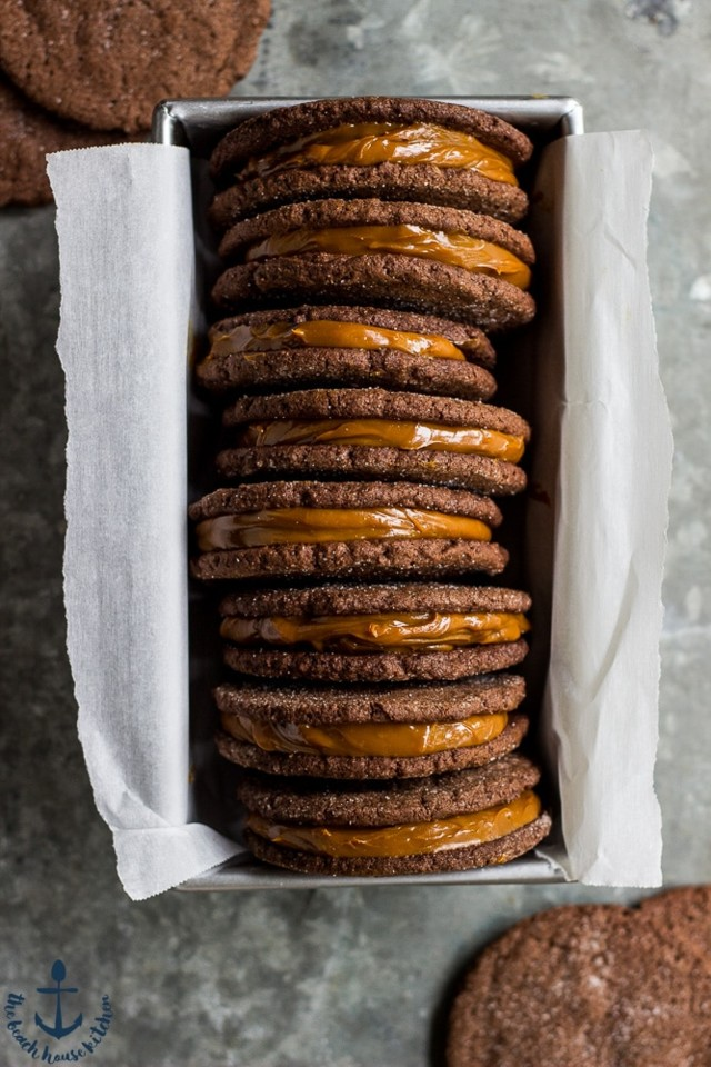 Mexican-Chocolate-Sandwich-Cookies-with-Dulce-de-L