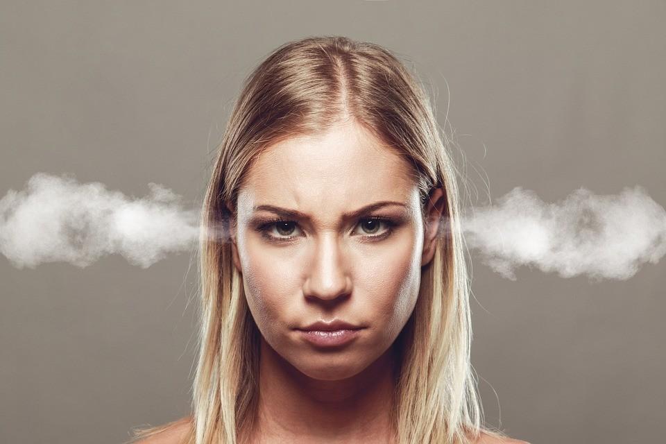 Angry Woman - Imagem Pixabay (raiva, zangada)