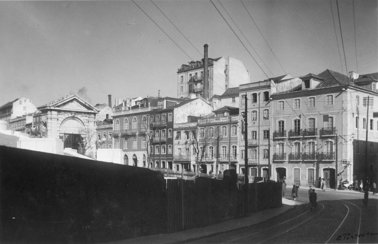 Rua Correia Garção e rua de São Bento vendo-se