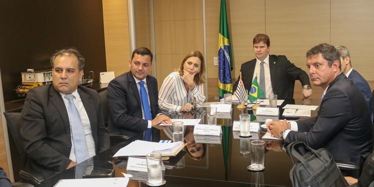 Reuni-o-entre-prefeitos-da-Baixada-Santista-e-mini