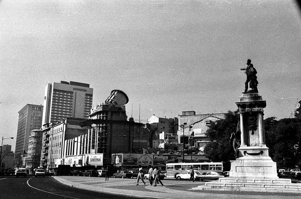 Demoliçao do cinema Monumental 1984, foto da cole