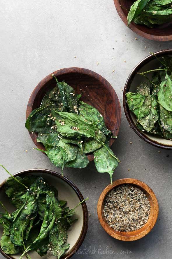 Japanese-Seasoned-Spinach-Chip-Recipe-gourmandeint
