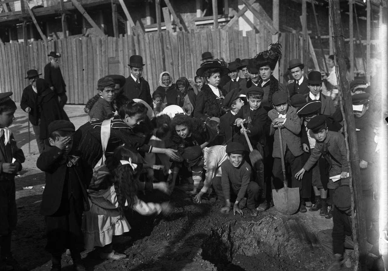 A Festa da Árvore, 1908, foto de Joshua Benoliel,