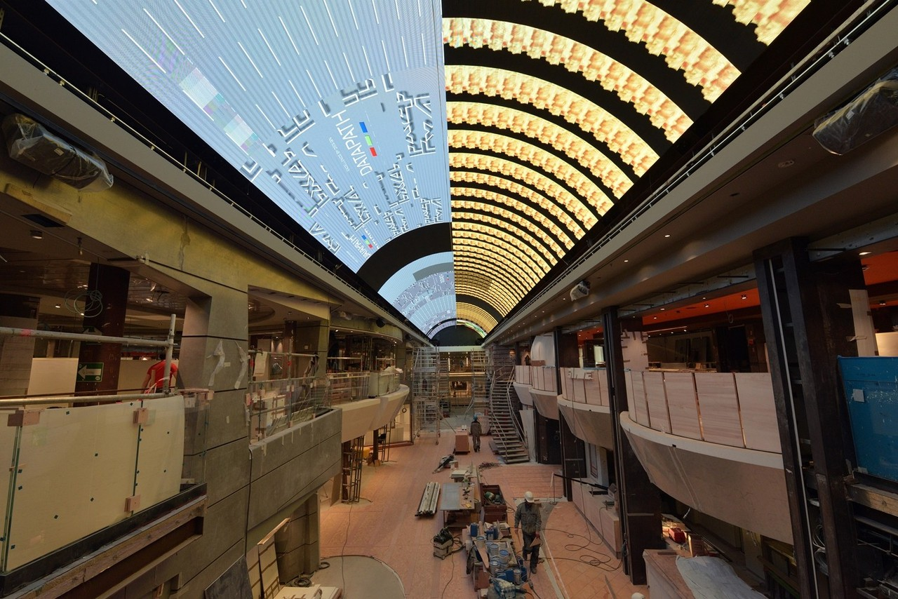 Meraviglia The promenade features the longest LED