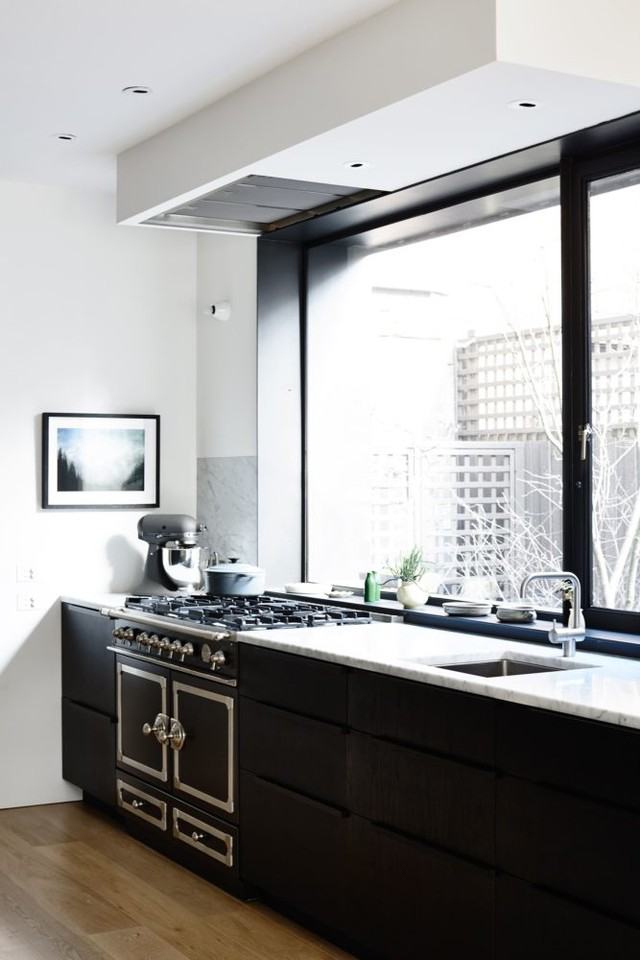 Modern-Kitchen-667x1000.jpg