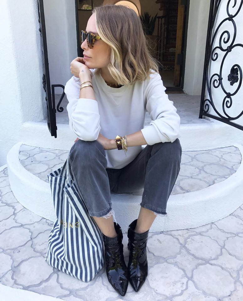 anine-bing-off-white-vintage-sweatshirt-2.jpg