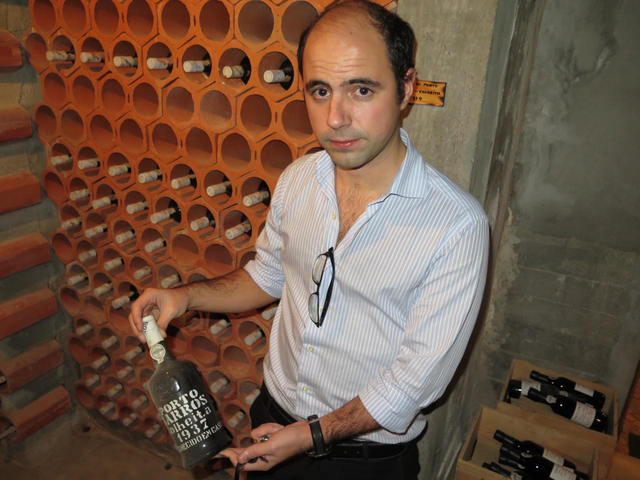 Porto Barros Colheita 1937, com 80 anos, o vinho mais antigo no PORTO DE SANTA MARIA