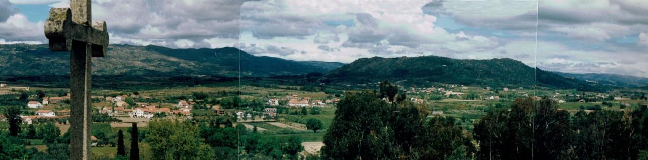 Vista_panoramica_Torre_igreja_Caria_1991.jpg